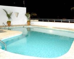 Hoteles con piscina privada y al aire libre en cordoba for Hotel con piscina en cordoba