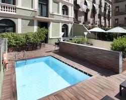suites en el tico con terraza y jacuzzi privado