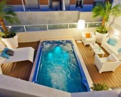 Habitaciones con piscina privada en andalucia for Hoteles con piscina climatizada en andalucia
