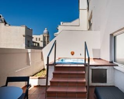 Habitaciones con piscina privada en madrid for Habitaciones con piscina dentro