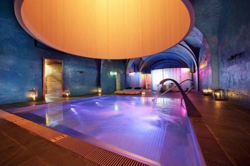 Suites y habitaciones con piscina o jacuzzi privado - Hoteles con piscina climatizada en madrid ...
