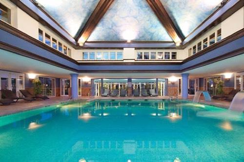 Hoteles con piscina climatiza for Hoteles en valencia con piscina