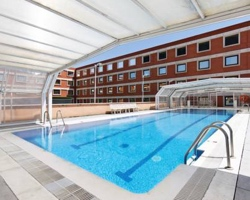 Hoteles con piscina climatizada en madrid for Hoteles en granada con piscina climatizada