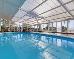 Hoteles con piscina climatizada en malaga for Hoteles en valencia con piscina