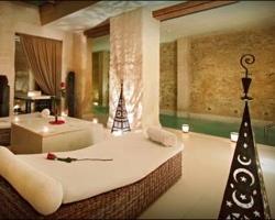 Hoteles con piscina climatizada en sevilla for Hoteles en granada con piscina climatizada