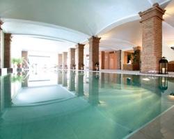 Hoteles con piscina climatizada en granada for Hoteles en motril con piscina