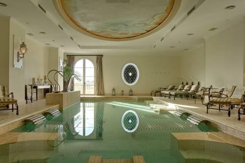 Suites y habitaciones con piscina o jacuzzi privado for Hoteles en portonovo con piscina
