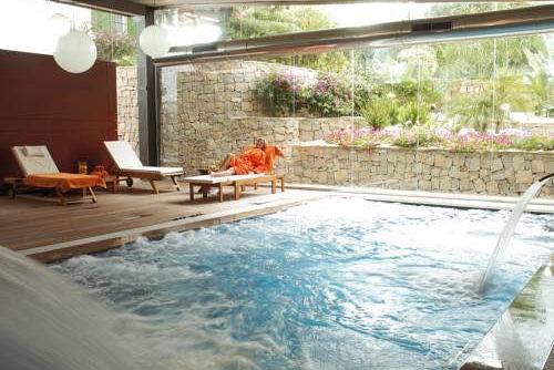 Hoteles apartamentos y villas con piscina privada for Hotel piscina habitacion